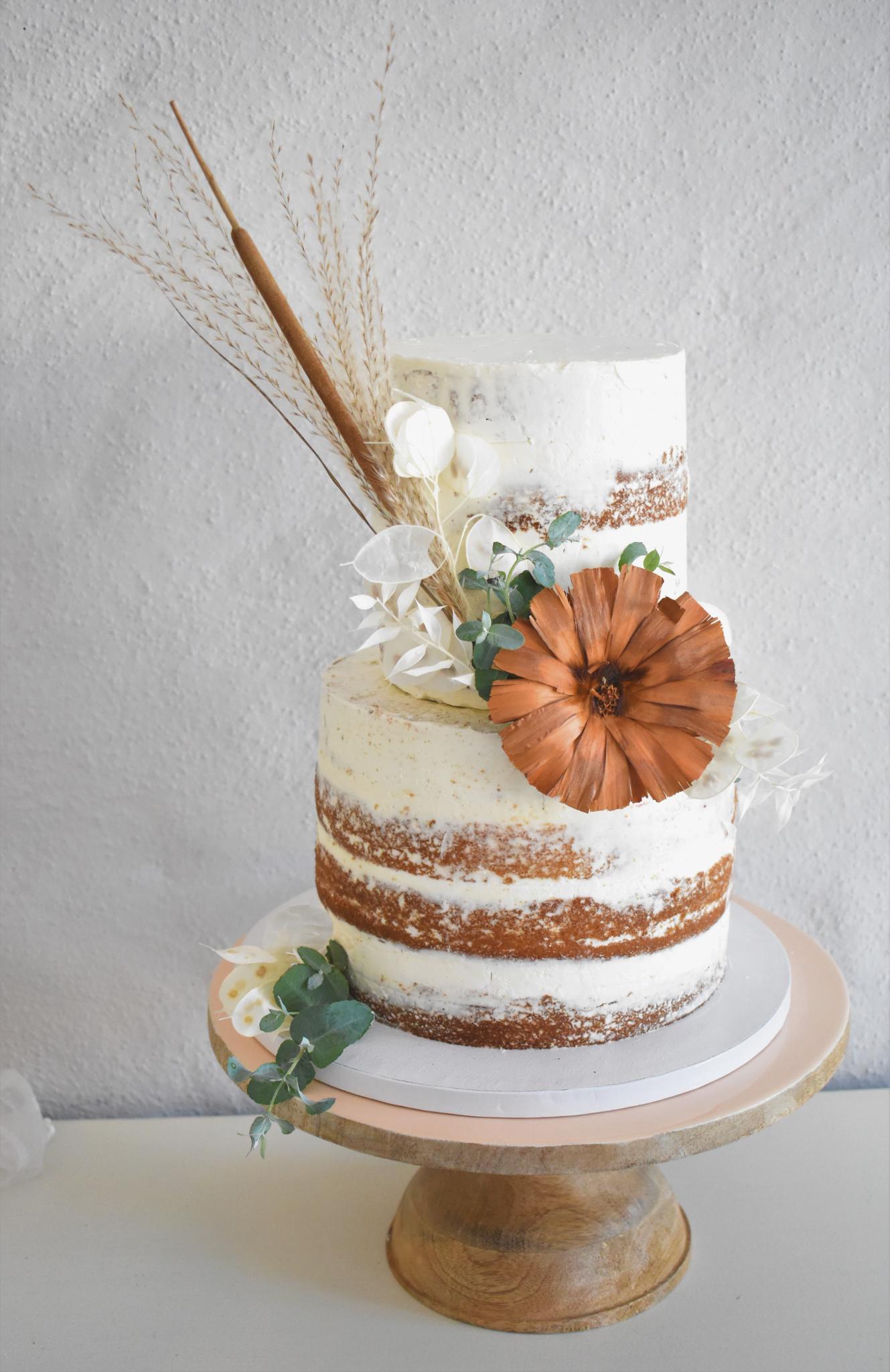 Hochzeitstorte-Trockenblumen