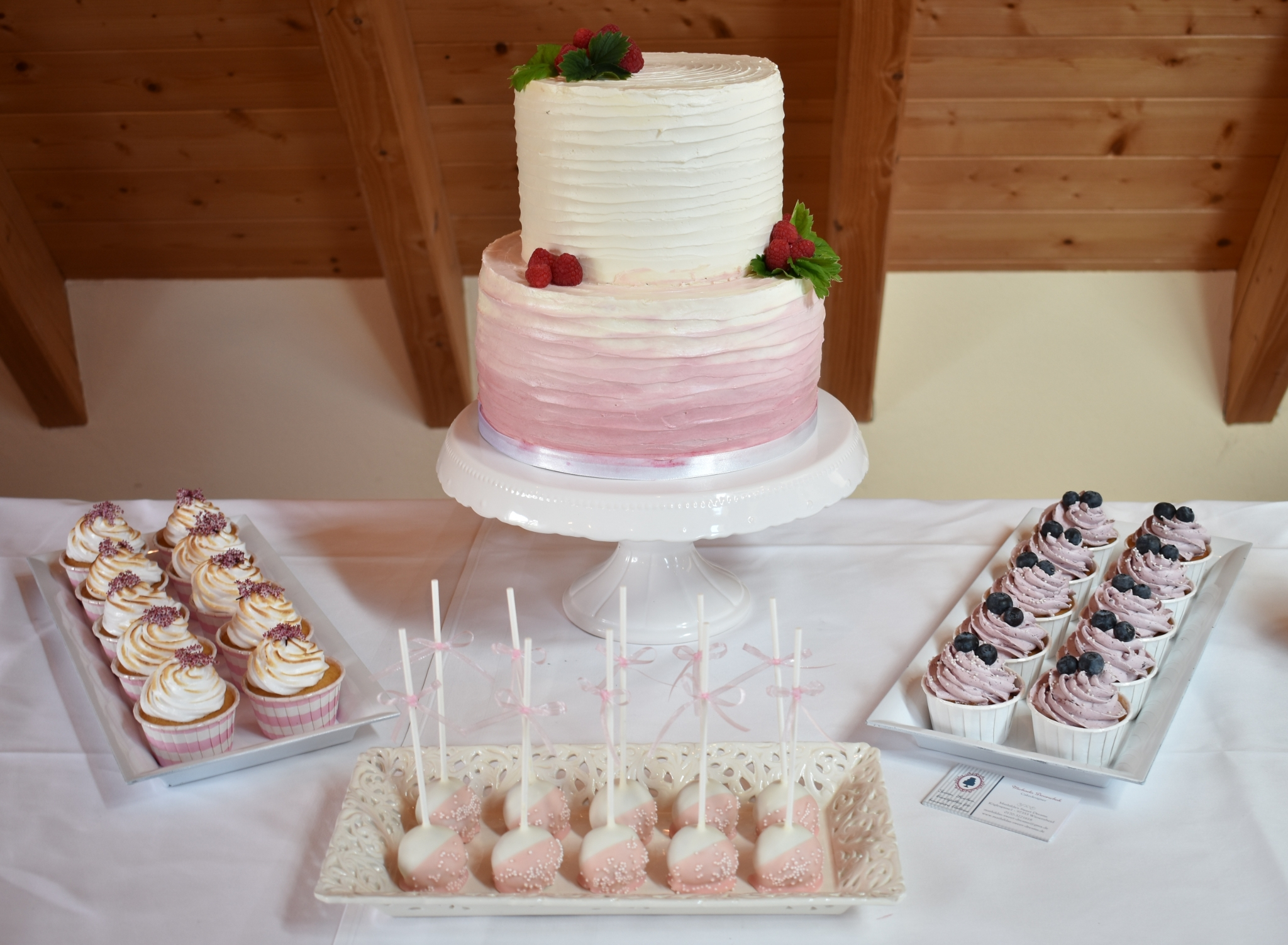 Rustic Buttercream plus Cupcakes