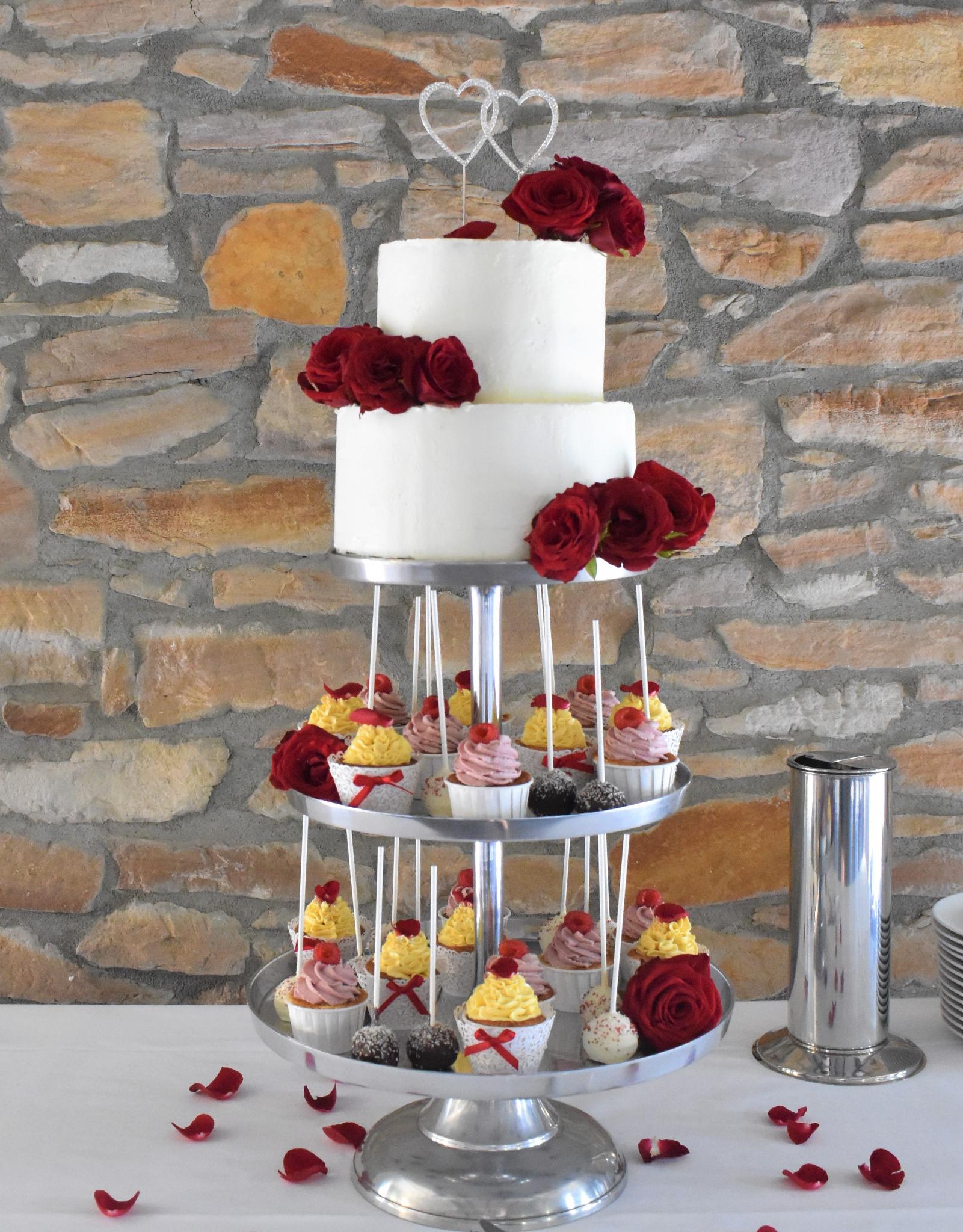 Sweet-Tower-rote-Rosen