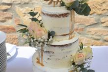 Hochzeitstorte-Golddrip