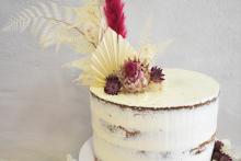 Seminaked-mit-Trockenblumen